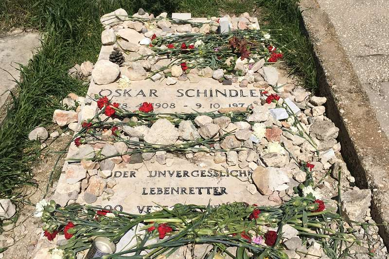 Oskar Schindler (1b)